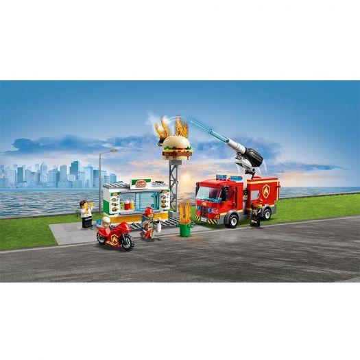 Конструктор LEGO City Пожежа в бургер-барі (60214)купити