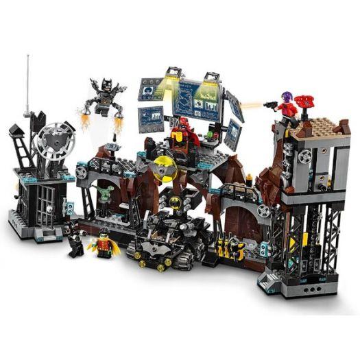 Конструктор LEGO Super heroes Вторгнення Глиноликого в бет-печеру (76122в Україні