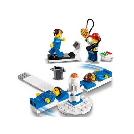 Конструктор LEGO City Набір фігурок Розробки та дослідження в галузі космічної техніки (60230)купити