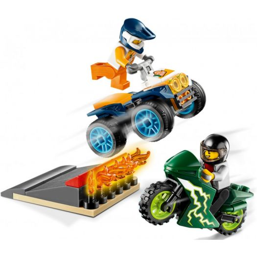 Конструктор LEGO City Каскадери (60255)замовити