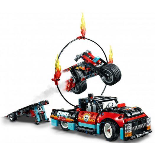 Конструктор LEGO Technic Шоу трюків на вантажівках і мотоциклах 2в1 (42106)купити