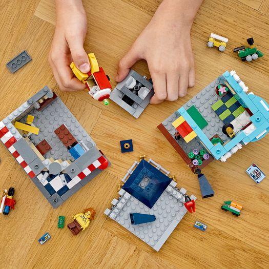 Конструктор LEGO Creator Міська крамниця іграшок (31105)в Україні