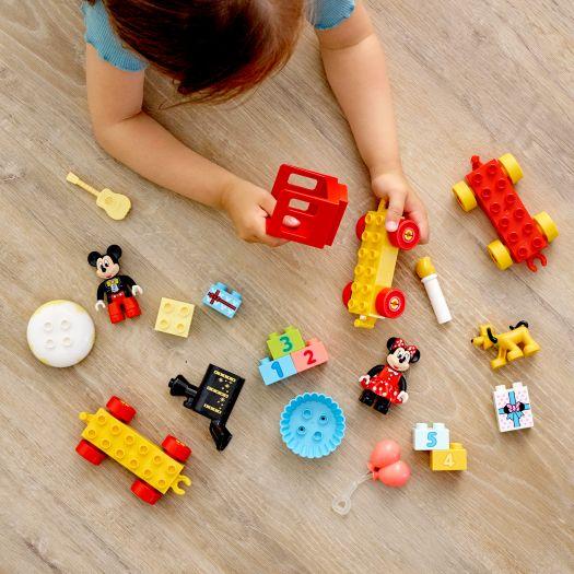 Конструктор LEGO Duplo Святковий потяг Міккі та Мінні (10941)купити