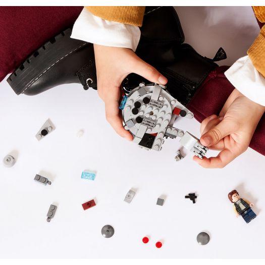 Конструктор LEGO Star Wars Мікрофайтери: Сокіл тисячоліття (75295)в Україні