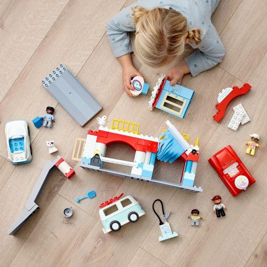 Конструктор LEGO Duplo Гараж і автомийка (10948)купити