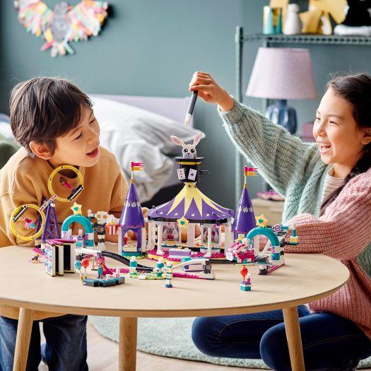 Конструктор LEGO Friends Американські гірки на Чарівній ярмарці (41685)замовити