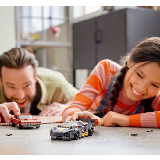 Конструктор  LEGO Speed champions Гоночний Chevrolet Corvette C8R та Chevrolet Corvette 1968 (76903)купити