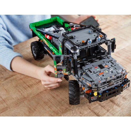 Конструктор LEGO Technic Вантажівка Mercedes-Benz Zetros 4x4 з дистанційним управлінням (42129)в Україні
